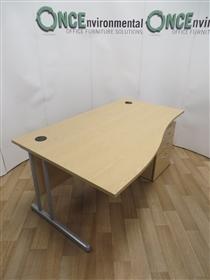 RAG Light Oak 1600W x 800/1000D Left Hand Wave Desk. 11 IN STOCK.RAG used second hand 1600w x 800/1000d light oak left hand wave desk complete with a 3-drawer under desk mobile pedestal.