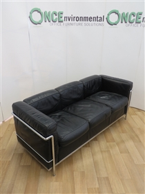 CassinaCassina Le Corbusier LC2 3 Seat Original Black Leather. Serial No 42935Cassina Le Corbusier LC2 Three Seat Used Second Hand sofa in the original black leather. Serial No 42935. With engraved authenticity from the manufacturer under the arm.