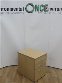 Light Oak 600H x 435W x 570D 3-Drawer Under Desk Mobile Pedestal 28 IN STOCKUsed second hand light oak 3-drawer under desk mobile pedestal with silver handles. Dimensions are 600h x 435w x 570d. Lockable and supplied with one key.
