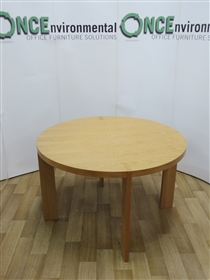 Light Oak Veneer 1200 Diameter Round TableLight oak veneer used second hand 1200 diameter round meeting table.