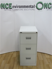 SilverlineSilverline 3-Drawer Filing Cabinet 1016H x 470W x 622D In GreySilverline used second hand 3-drawer filing cabinet in grey.
