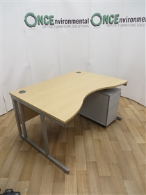 sven-christianson-1400-800-1000-800-light-oak-double-wave-desk-1_thumbnail.jpg